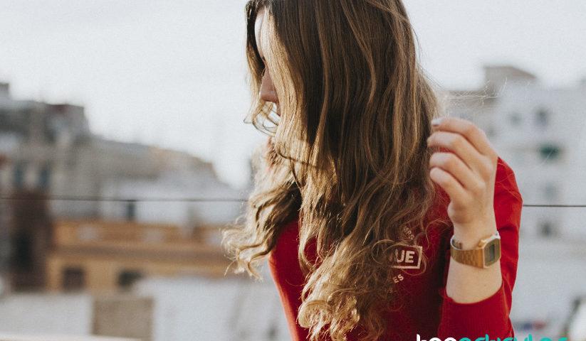 Descubre las últimas tendencias en peinados y corte de pelo.