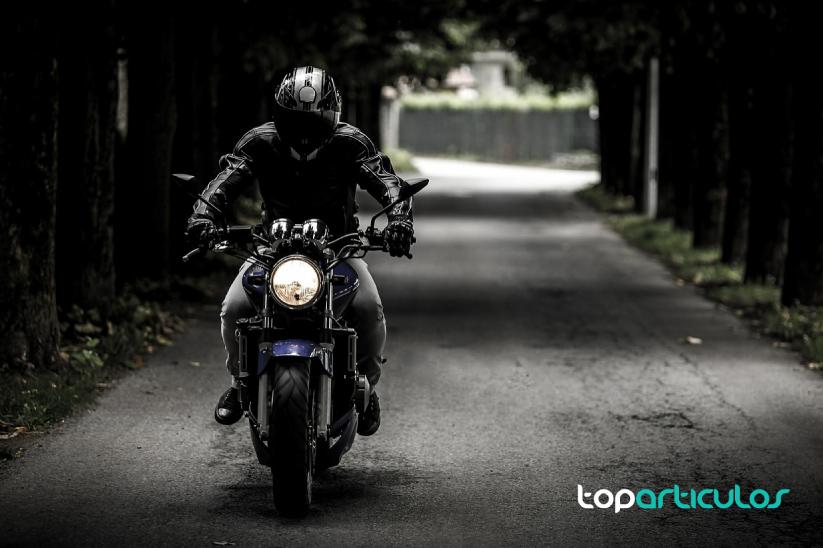 descubre las ventajas de contratar un seguro de moto