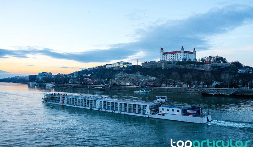 Crucero por el Danuvio a su paso por Bratislava